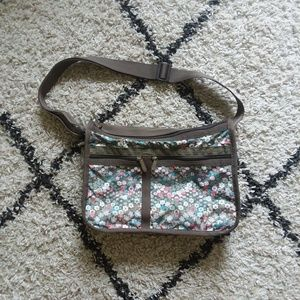 Lesportsac Deluxe everyday bag floral print